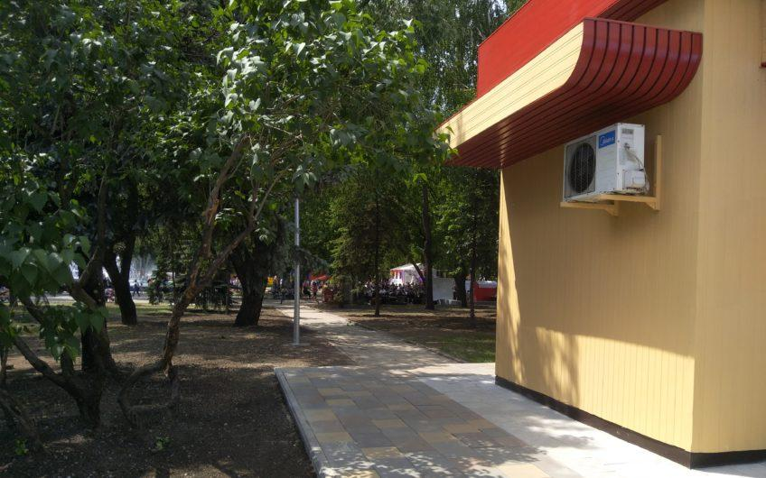 Соцгород. Продам мини магазин на территории парка Богдана Хмельницкого.Рядом стадион Металлург, остановки общественного транспорта, Автобус, троллейбус, скоростной трамвай, трамвай.
