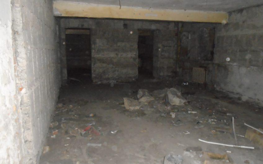 Предлагается в продажу. Нежилое помещение, встроенное в цокольный этаж пр. Металлургов 16