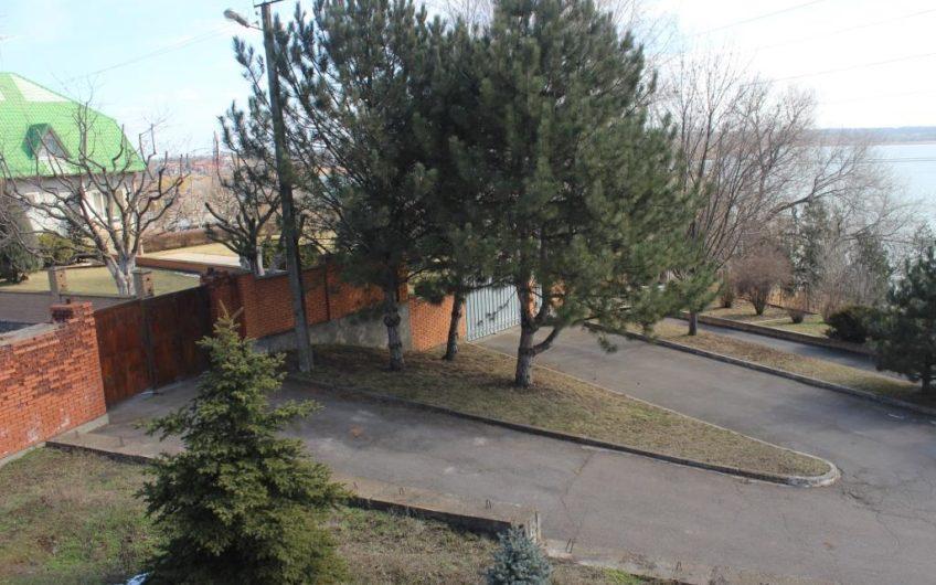 Продажа дома в парковой зоне с видом на реку ул. Ладожская